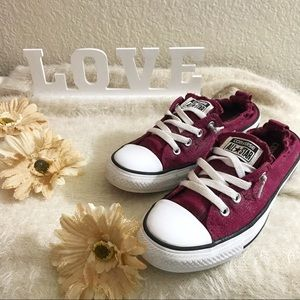 •Converse• Maroon Sneaker Shoes